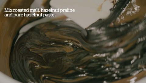 Embedded thumbnail for Beanology™ praline 'Roasting': a recipe that takes you back to the cocoa roastery